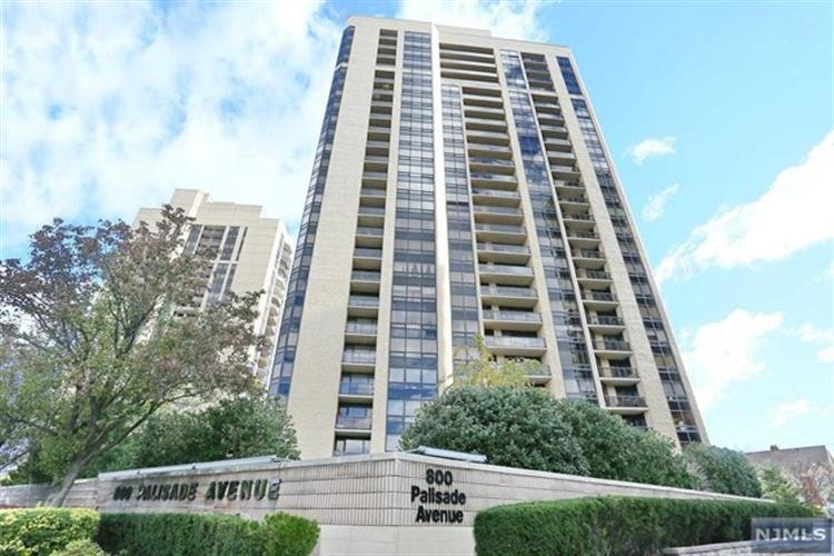 800 Palisade Ave 23b, Fort Lee, NJ - USA (photo 1)