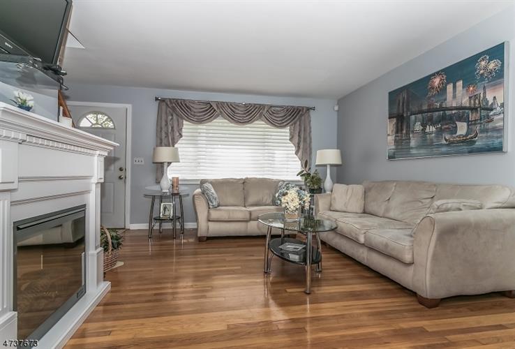 2257 Evergreen Ave, Scotch Plains, NJ - USA (photo 2)