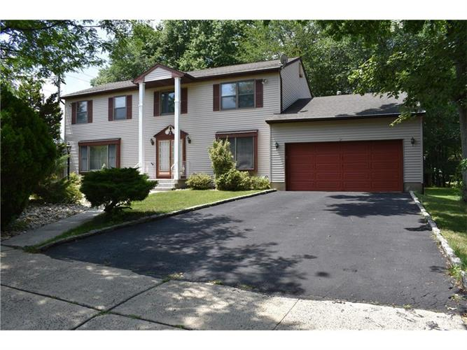 2 Vanderwater Court, East Brunswick, NJ - USA (photo 1)