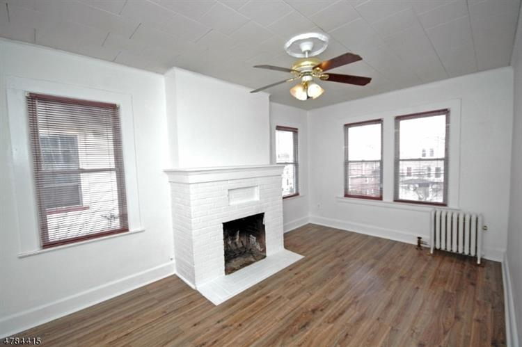 252 Franklin St, Bloomfield, NJ - USA (photo 2)