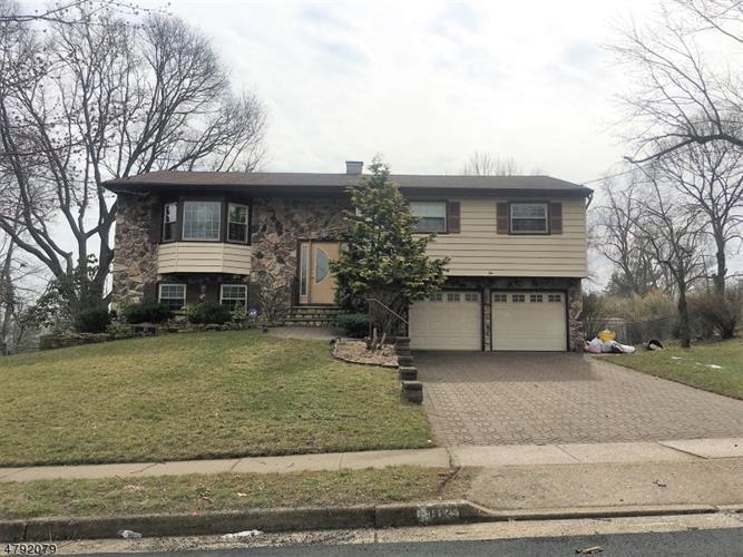 10 Sherry Rd, East Brunswick, NJ - USA (photo 1)