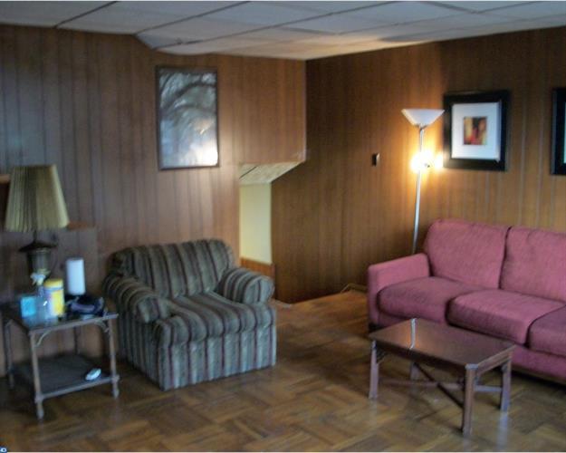 129 E Laughead Ave, Linwood, PA - USA (photo 3)