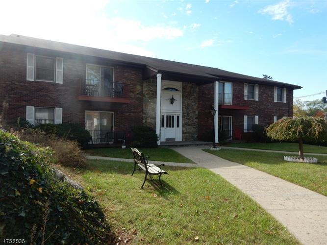 327 Ringwood Ave, Pompton Lakes, NJ - USA (photo 4)