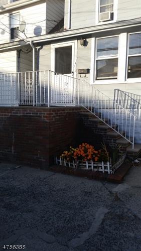 512 85th St, North Bergen, NJ - USA (photo 1)