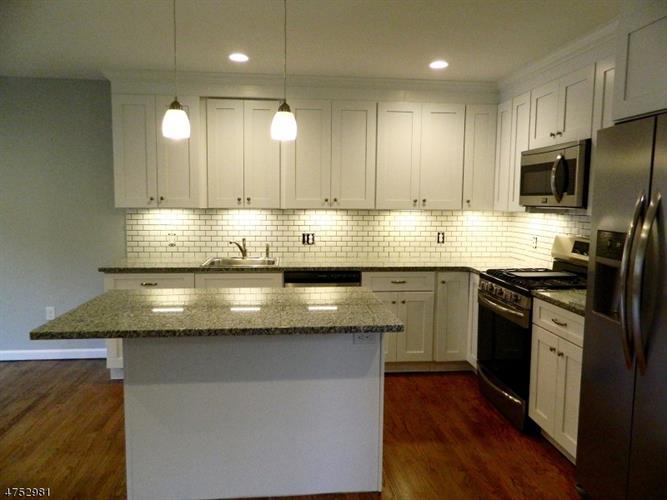 74 White Rock Blvd, Jefferson Township, NJ - USA (photo 5)