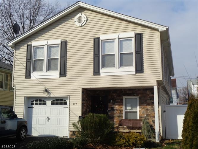 819 E Henry St, Linden, NJ - USA (photo 1)