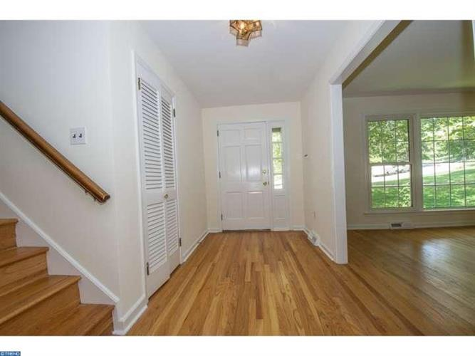 231 Lenape Dr, Berwyn, PA - USA (photo 2)