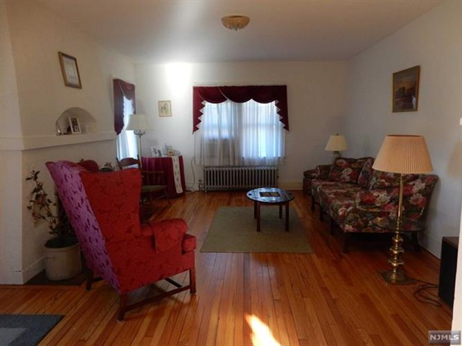 20 Riverdale Rd, Pompton Lakes, NJ - USA (photo 2)
