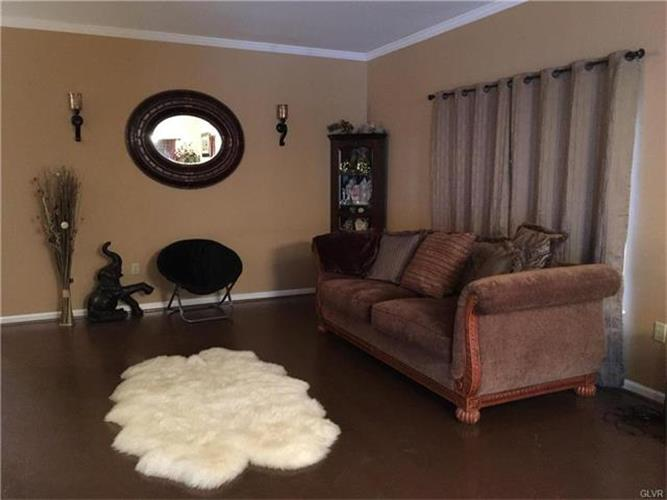 7698 Racite Road, Macungie, PA - USA (photo 2)