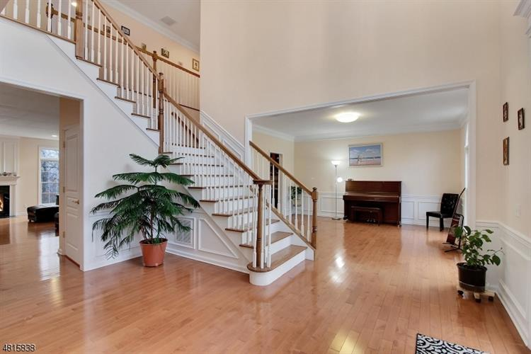 13 Oak Ln, Green Brook, NJ - USA (photo 2)