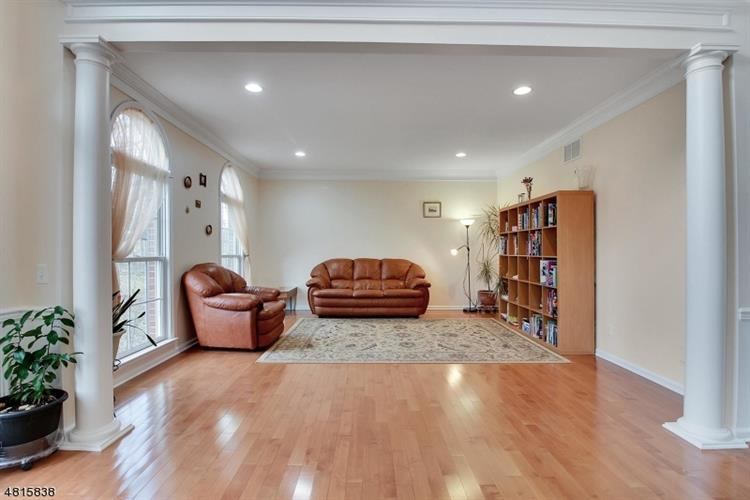 13 Oak Ln, Green Brook, NJ - USA (photo 3)