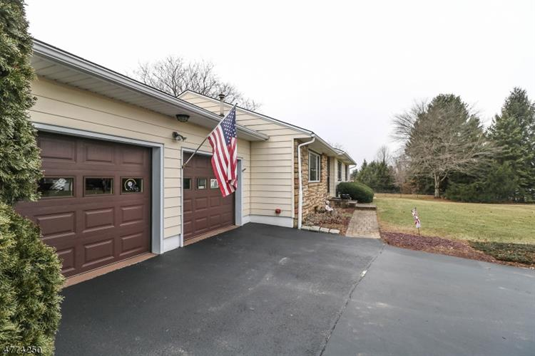 39 Toad Ln, East Amwell Township, NJ - USA (photo 4)