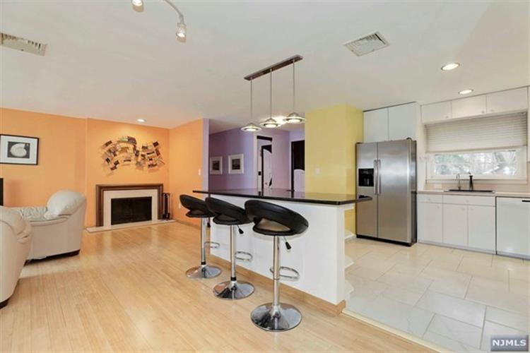 82 Forest Road, Allendale, NJ - USA (photo 5)