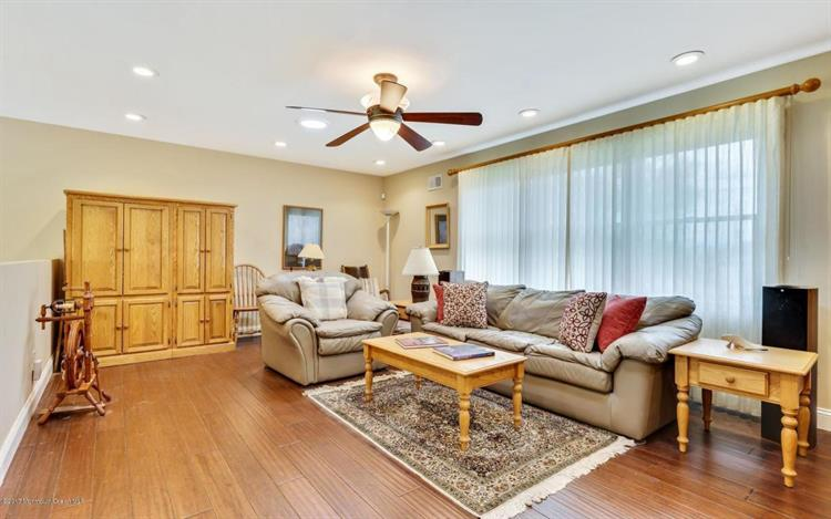 36 Patten Lane, Long Branch, NJ - USA (photo 3)