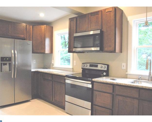 369 Woodland Ave, Morrisville, PA - USA (photo 4)