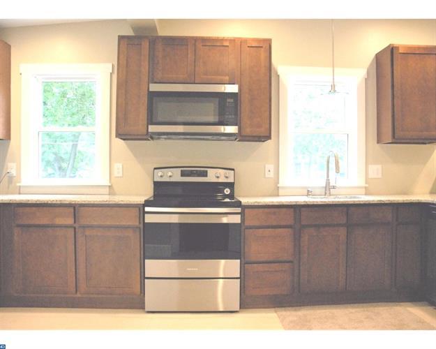369 Woodland Ave, Morrisville, PA - USA (photo 5)
