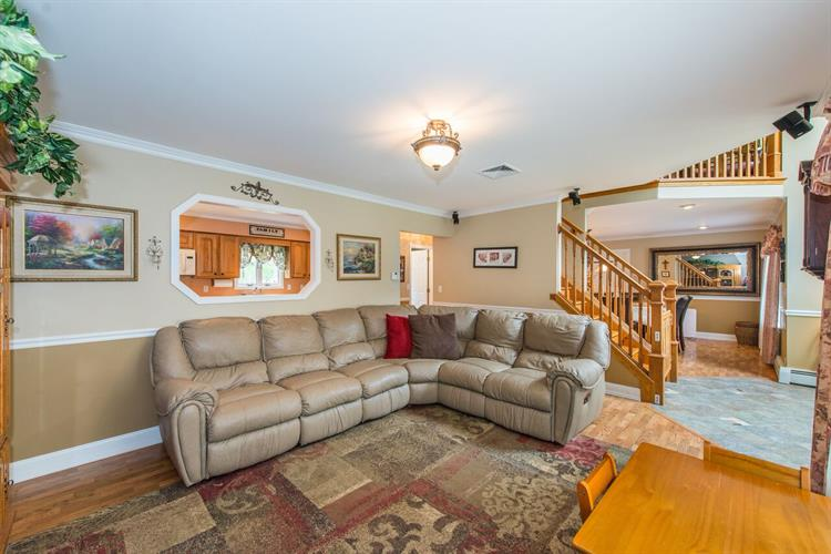 105 Morris Ave., West Milford, NJ - USA (photo 4)