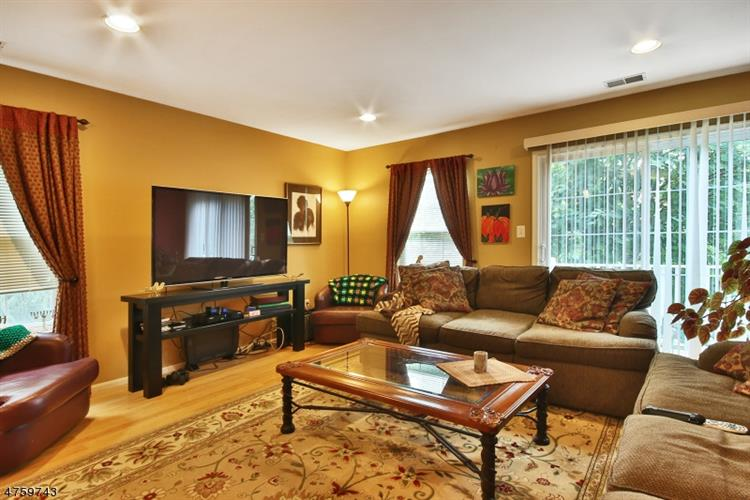 2270 Nash Ct, Mahwah, NJ - USA (photo 2)