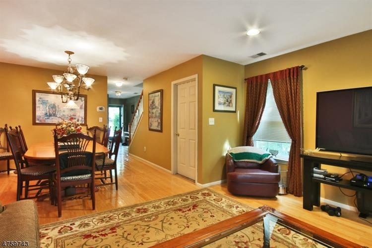 2270 Nash Ct, Mahwah, NJ - USA (photo 4)