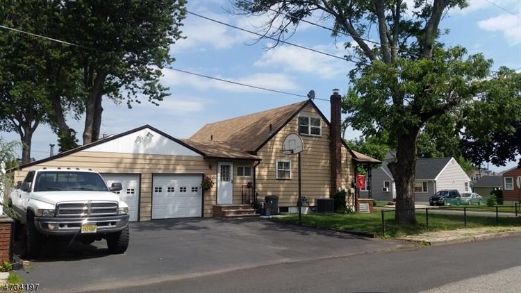 940 Mccandless Pl, Linden, NJ - USA (photo 2)