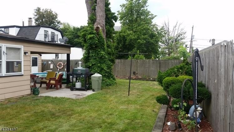 940 Mccandless Pl, Linden, NJ - USA (photo 4)