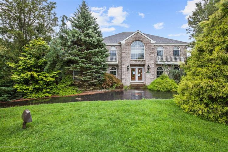 11 Twin Lakes Drive, Manalapan, NJ - USA (photo 1)