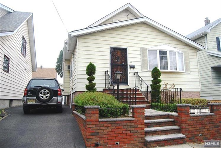 42 Viola Ave, Clifton, NJ - USA (photo 1)