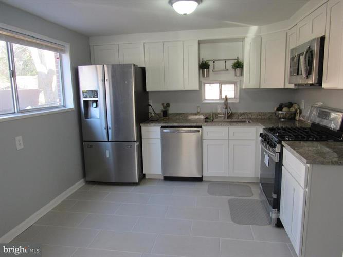 7519 Sweetbriar Drive, College Park, MD - USA (photo 4)