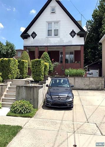 332 Highland Ave, Palisades Park, NJ - USA (photo 2)