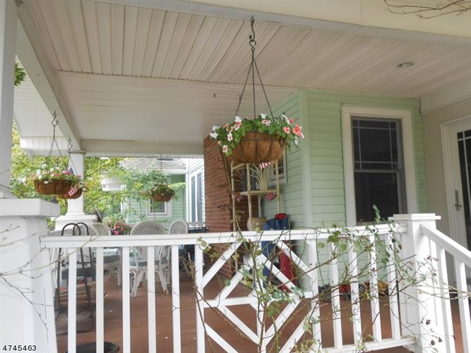 1004 Harrison St, Frenchtown, NJ - USA (photo 3)