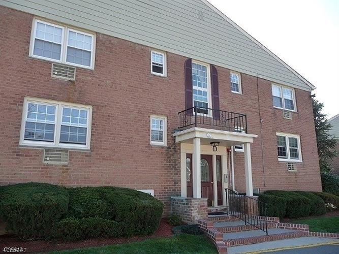 605 Grove St. D-7, Clifton, NJ - USA (photo 1)