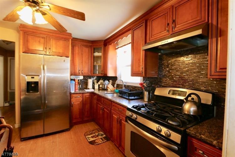 1357-59 Milton Place, Plainfield, NJ - USA (photo 4)