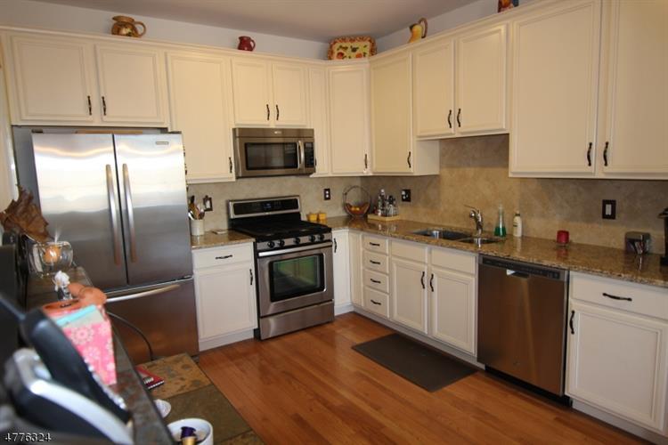 68 Lamerson Cir, Mount Olive, NJ - USA (photo 3)