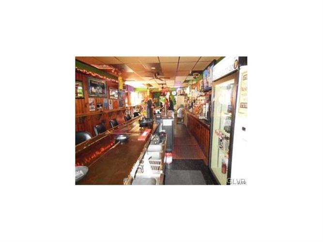 670 Main Street, Slatington, PA - USA (photo 4)
