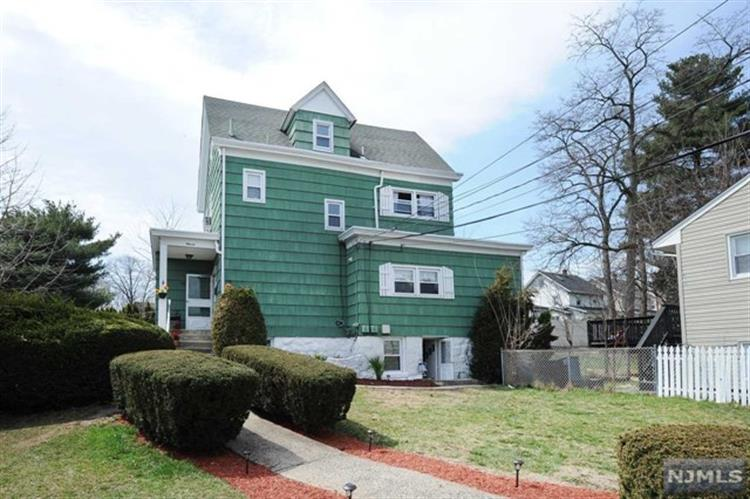 11 Dawson Avenue, Passaic, NJ - USA (photo 1)