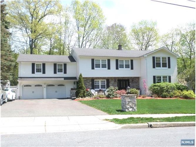 52 Greenrale Avenue, Wayne, NJ - USA (photo 1)