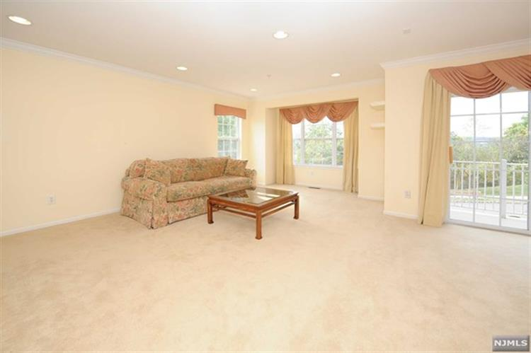 112 Ridge Dr, Pompton Lakes, NJ - USA (photo 5)