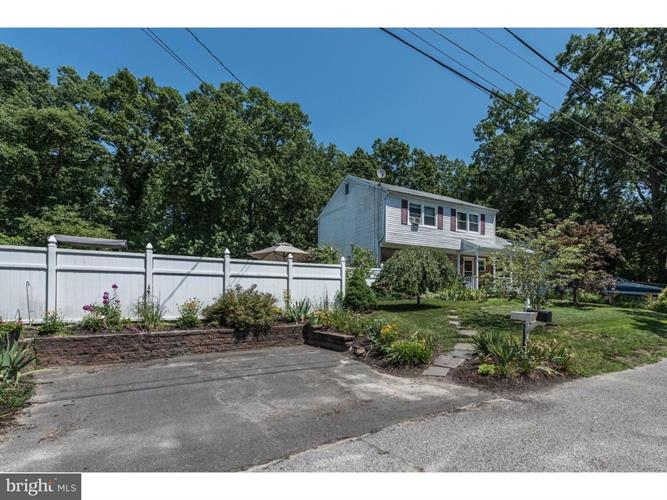 136 Clover Street, Browns Mills, NJ - USA (photo 2)