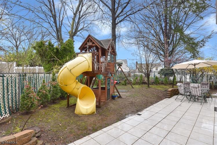 1034 Van Houten Ave, Clifton, NJ - USA (photo 3)