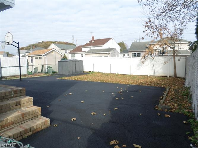 818 Joralemon St, Belleville, NJ - USA (photo 4)