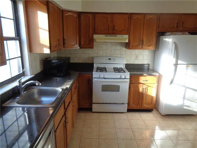 2405 Deerfield Drive 2405, Edison, NJ - USA (photo 3)