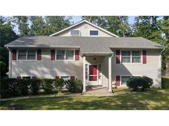 6 Margetts Road, Monsey, NY - USA (photo 1)