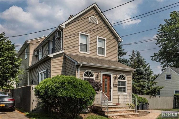31 South Taylor Street, Bergenfield, NJ - USA (photo 1)