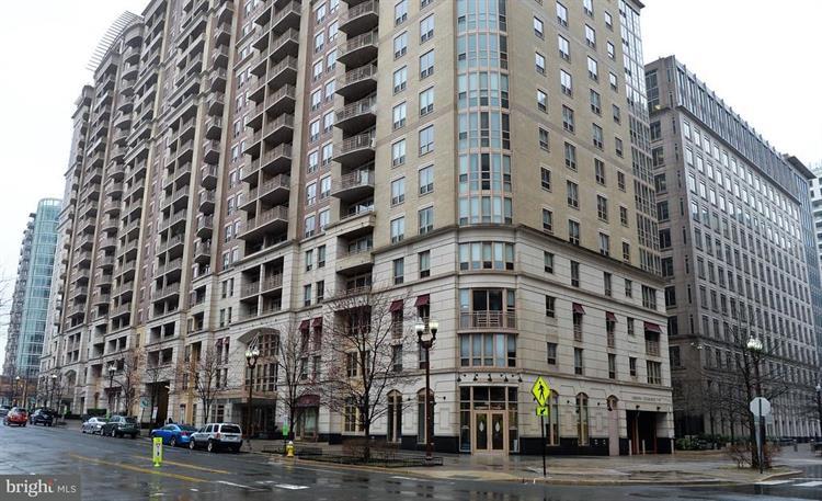 888 Quincy Street N 1501, Arlington, VA - USA (photo 2)