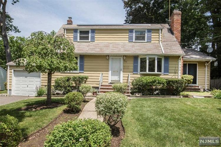 345 E Woodland Rd, New Milford, NJ - USA (photo 1)