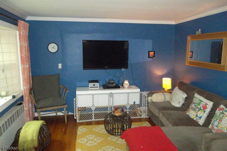307 E Linden Ave, Linden, NJ - USA (photo 3)