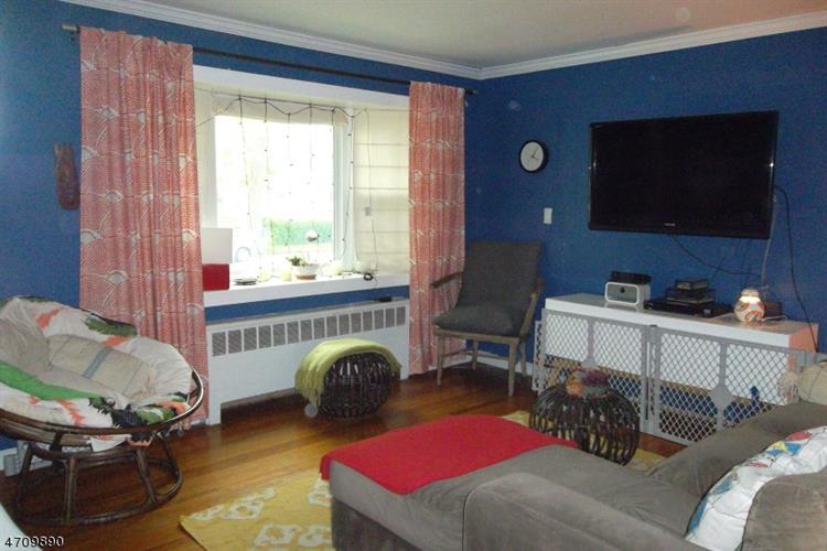 307 E Linden Ave, Linden, NJ - USA (photo 4)