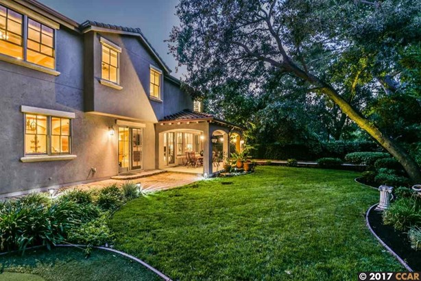 Mediterranean, Detached - WALNUT CREEK, CA (photo 4)