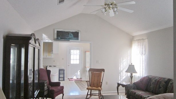 House - Ray City, GA (photo 2)