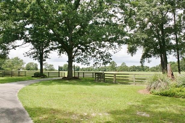 House - Adel, GA (photo 4)